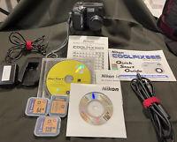 Nikon COOLPIX 885 3.2MP Digital Camera - Silver
