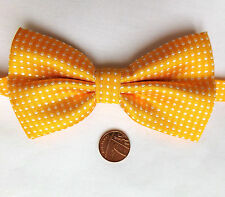 Gold Polka Dot Bow Tie taches blanches col taille 11 To 20 in (environ 50.80 cm)