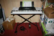 Casio Keyboard CTK-4200 mit Ständer, Sustainpedal und Kopfhörer