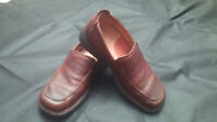 Clarks 73371 Mens Pebbled Oily Brown Closed Toe Slip On Shoes Loafers Size 7 EUC