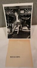RARE VINTAGE 1967 17 YR OLD Hippie Fashion Super model TWIGGY NEWS Photograph