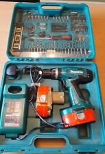 MAKITA 18v CORDLESS HAMMER DRIVER DRILL SET, 8391D. 2 BATTERIES AND 1 CHARGER.