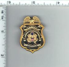 Federal Reserve Bank Police Officer 1-Inch Antique Mini Pin - gold color
