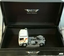 VOLVO F12 GLOBETROTTER 1/43 - NEO SCALE MODELS