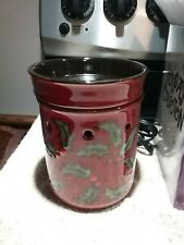 VINTAGE SCENTSY MERRY BERRY HOLIDAY/CHRISTMAS FULL SIZE WARMER RETIRED