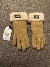 UGG Gloves . New With Labels . Tan . Shearling Sheepskin . Ladies Small