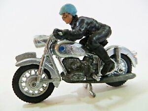 BRITAINS 9688 'BMW MOTORCYCLE, CHROME/SILVER VERSION. 1:32. VINTAGE. EXCELLENT.