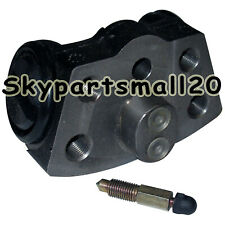 New Brake cylinder 47404-30560-71 For Toyota forklift parts 7FD35/40/50 1pc