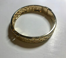 BEAUTIFUL GOLDEN Hinged Bangle ONE SIZE FITS MOST NEW