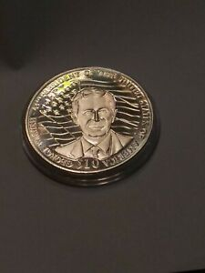 2002 Liberia 10 Dollar Coin George W Bush #AB383