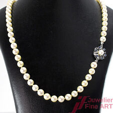 Akoya-Perlenkette - 585/14K Weißgoldschließe -1 Saphir + 1 Akoya Perle ca. 62 cm