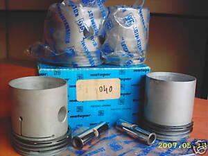 JEEP WILLYS 030 134 ENGINE  PISTON + RING SET