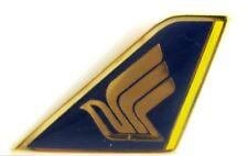 10278 SINGAPORE AIR LOGO AIRLINES AIRWAYS AVIATION PLANE TAIL LAPEL PIN BADGE