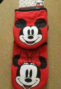 New Disney (2) Pack Mickey & Minnie Mouse Oversized Mini Mitts