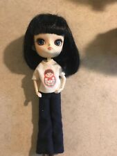 Pullip doll blue eyes side to side black hair jeans jointed body
