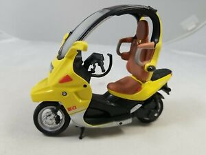 BMW C1 Executive Scooter 1:18 Scale Diecast & Plastic Model by Motormax W/Stand