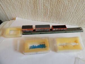 N gauge Job Lot 3 Railfreight wagons 2 box vans & 1 open wagon all boxed Peco