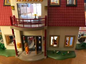 Playmobil Wohnhaus 4279, komplett eingerichtet mit Wintergarten