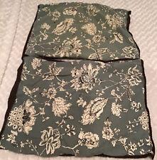 Set Of 2 Standard Pillow Shams In EUC (BIN AN)