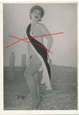 Nr,21380 kleines Akt Foto schöne nackte Frau Busen Erotik 4 x 6 cm  um 1945
