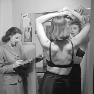 Vintage UNIDENTIFIED Original B&W 120 Film Negative