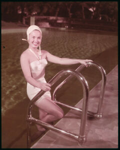 Ann Blyth Vintage Bikini Glamour Pose in pool 1940's Original 5x4 Transparency