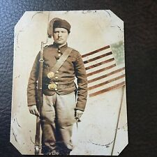 Civil War Military  UNIDENTIFIED UNION SOLDIER with MUSKET tintype C746RP