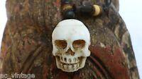 6b0ca3b28fb3f5 Totenkopf am Band aus echten Knochen handgeschnitzt Skull Schädel Bein Kette