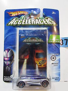 2004 HOT WHEELS ACCELERACERS NITRUM #2/9 - 3 COLLECTIBLE GAME CARDS