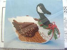 CANADA GOOSE BASKET Plastic Canvas Needlepoint Kit--Unopened