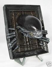 Alien Resin plaque. non peinte.