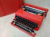 Olivetti Valentine Typewriter with Case Red RARE Vintage work Made in Spain used