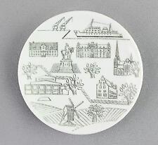 A small Rorstrand pin dish/wall plaque. Malmo. Swedish design