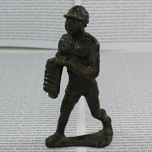 Bronze Bauarbeiter / Handwerker  H.14,5 cm im ausdrucksstarken Art Deco Stil