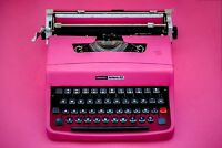 SALE!!! PINK TYPEWRITER OLIVETTI 32 - Portable working typewriter