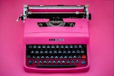 PINK TYPEWRITER OLIVETTI 32 - Portable working typewriter