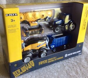 Just Out New Holland FR920 Self Propelled Forage Harvester Set In 1/64 Scale