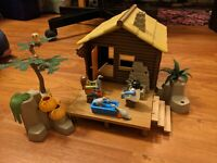 Playmobil FISHING Log CABIN Sportsmans #3826 Bunk Bed House 2 Figures INCOMPLETE