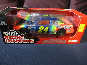 Racing Champions #24 Jeff Gordon NASCAR 1996 Edition 1/18 Stock Car with Opening