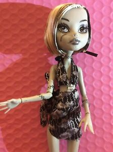 Monster High Doll Frankie Stein Skull Shores
