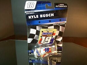 Kyle Busch #18 Snickers Almond Wave 9 2018 Toyota Camry Authentics 1:64
