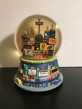 Bloomingdales New York 2000 Holiday Musical Snow Globe Twin Towers