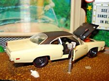 1969 PLYMOUTH ROAD RUNNER LIMITED EDITION 1/64 M2 1960'S MUSCLE 440-6 VINYL TOP