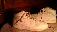 Rare Nike Air Jordan 1 Retro High OG BG Perforated Sneakers Size 6.5Y Boys
