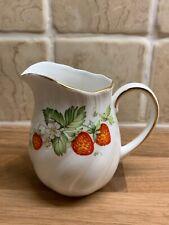 Queens de la Chine Virginia Strawberry milk cream jug