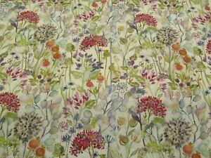 Voyage Hedgerow - Cream cotton print fabric **PER METRE**
