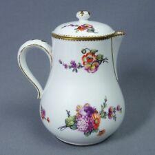 Sèvres Porcelaine Tendre Petite Verseuse Couverte 18ème Bouquets