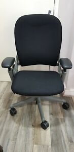 Black Steelcase Leap V1 ergonomic office chair in good condition