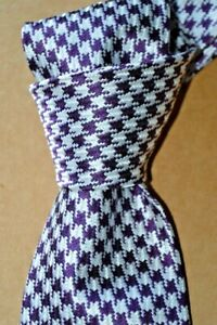 "$250 NWT TOM FORD Purple w/ white houndstooth check 3.4"" woven silk tie ITALY"