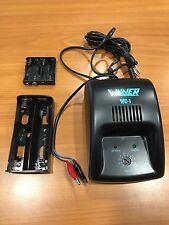CHARGEUR WINNER WC-1 POUR PILES ALCALINES NICKEL CADMIUM 1,2V A 12V